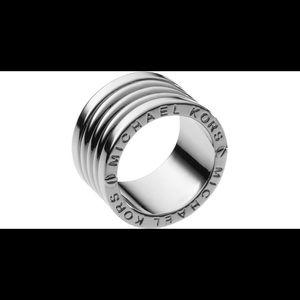 Michael Kors Silver Barrel Ring
